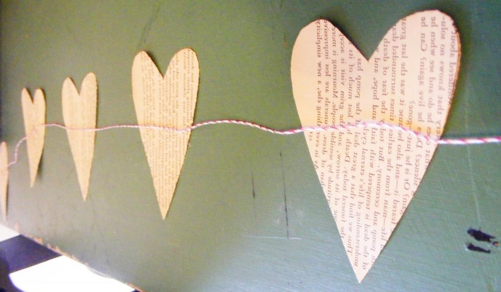 DIY Valentine Heartstring Garland